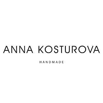 アンナ・コスツローバ